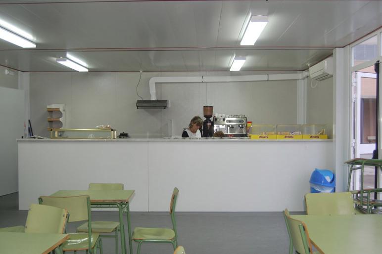 17.-Bar