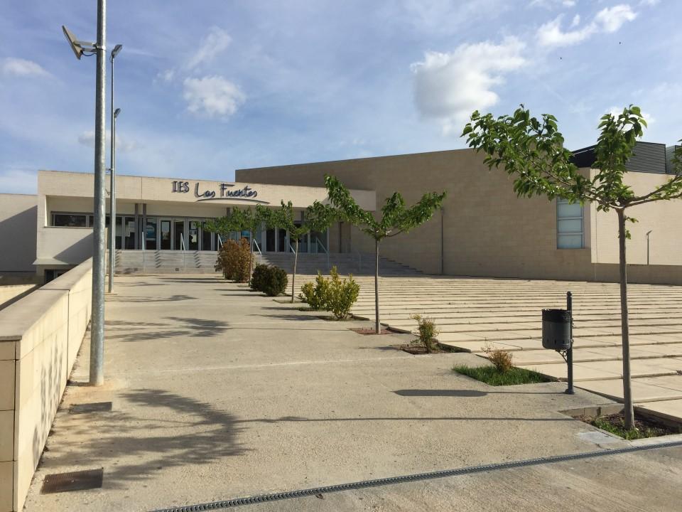 Entrada principal del instituto