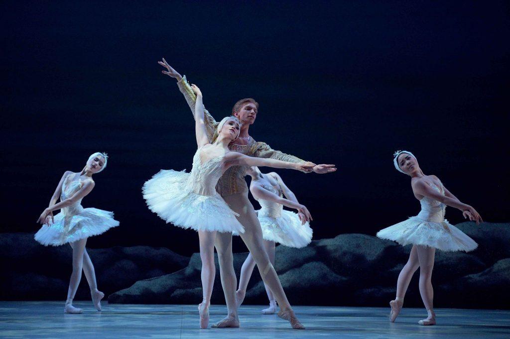 Harvey-Littlefield-as-Prince-Seigfried-Chloe-Keneally-as-Odette-My-First-Ballet-Swan-Lake-©-Laurent-Liotardo