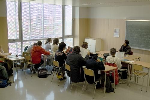 clase-con-alumnos_3077156061_o