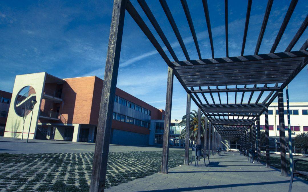"""<a href=""""https://portal.edu.gva.es/joanfuster/activitats-2"""" rel=""""noopener"""">ACTIVITATS</a>"""