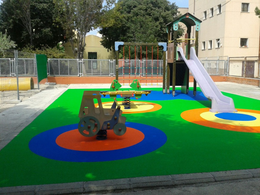 parc infantil renovat
